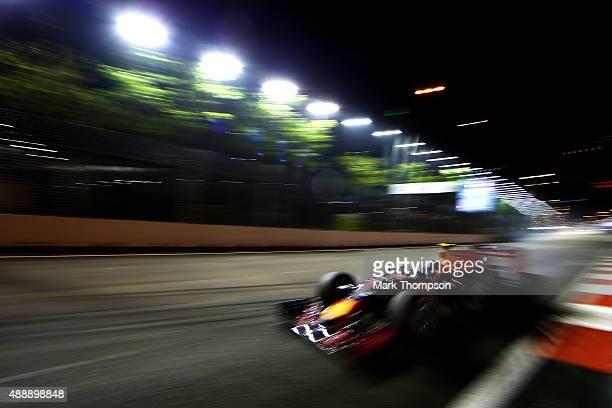 Daniil Kvyat of Russia and Infiniti Red Bull Racing drives during practice for the Formula One Grand Prix of Singapore at Marina Bay Street Circuit...
