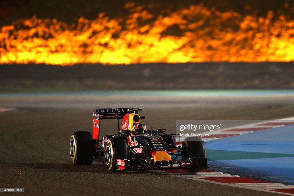 Daniil Kvyat of Russia and Infiniti Red Bull Racing drives during the Bahrain Formula One Grand Prix at Bahrain International Circuit on April 19...