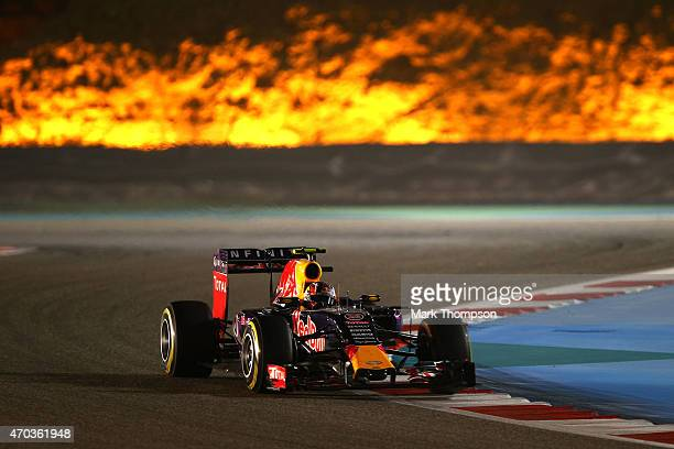 Daniil Kvyat of Russia and Infiniti Red Bull Racing drives during the Bahrain Formula One Grand Prix at Bahrain International Circuit on April 19...