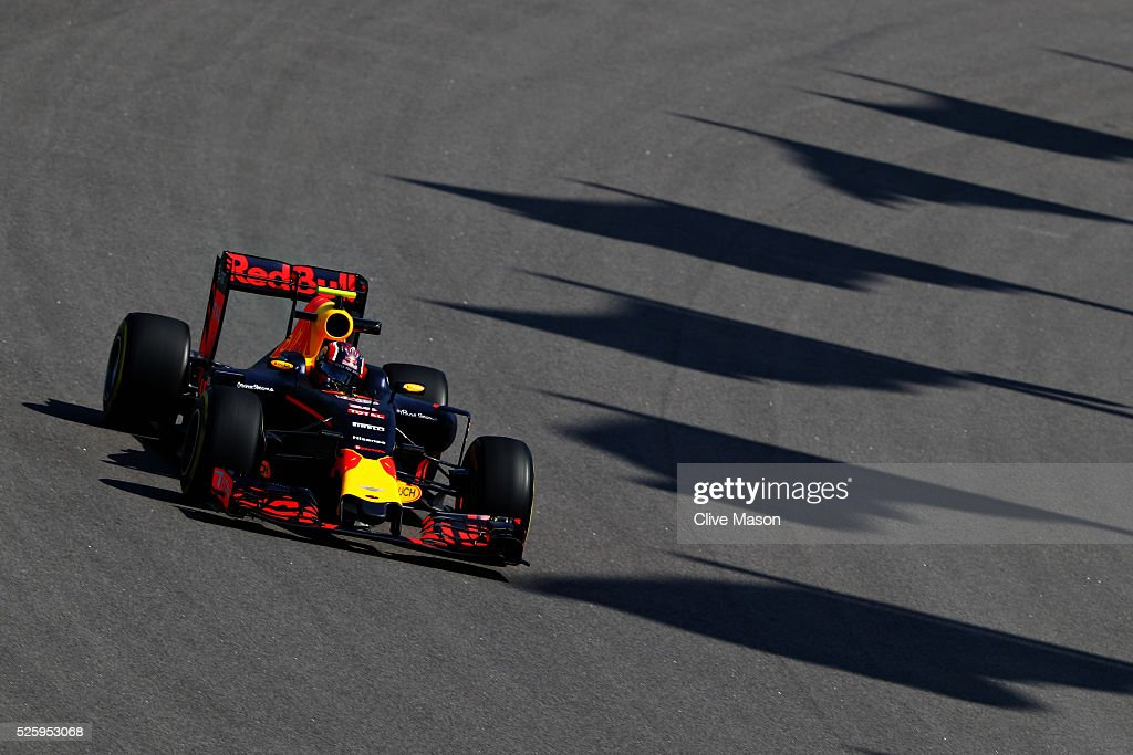 Daniil Kvyat of Russia driving the (26) Red Bull Racing Red Bull-TAG Heuer RB12 TAG Heuer on track during practice for the Formula One Grand Prix of Russia at Sochi Autodrom on April 29, 2016 in Sochi, Russia.