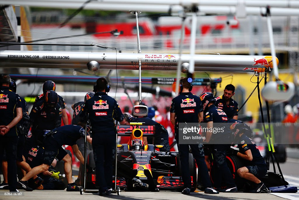 <a gi-track='captionPersonalityLinkClicked' href=/galleries/search?phrase=Daniil+Kvyat&family=editorial&specificpeople=10936016 ng-click='$event.stopPropagation()'>Daniil Kvyat</a> of Russia driving the (26) Red Bull Racing Red Bull-TAG Heuer RB12 TAG Heuer comes back into the pits during final practice ahead of the Formula One Grand Prix of Russia at Sochi Autodrom on April 30, 2016 in Sochi, Russia.