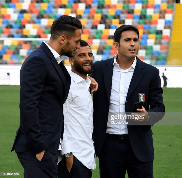 Danilo D'Ambrosio Lorenzo Insigne and Eder of Italy chat during Italy walk around at Stadio Friuli on June 10 2017 in Udine Italy