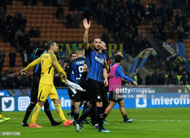 Danilo D'Ambrosio of FC Internazionale celebrate the win at the end of the Serie A match between FC Internazionale and Atalanta BC at Stadio Giuseppe...