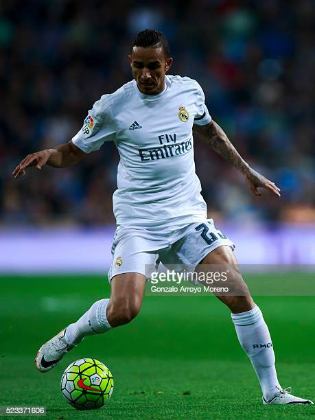 Danilo Luiz da Silva of Real Madrid CF controls the ball during the La Liga match between Real Madrid CF and Villarreal CF at Estadio Santiago...