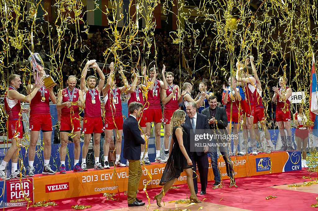 Danish Crown Prince Frederik applauds Russian players after thier win over Italy in the men's Velux Euro Volley 2013 European Championship Copenhagen, Denmark, on September 28, 2013. AFP PHOTO /Scanpix /Keld Navntoft / Denmark Out
