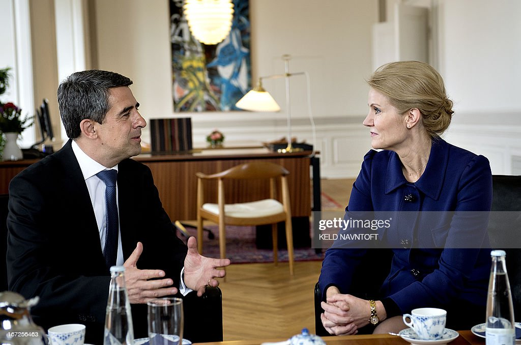 Danish Prime Minister Helle Thorning-Schmidt (R) and Bulgarian President Rosen Plevneliev talk in Prime Ministers office in Copenhagen, on April 23, 2013. Plevneliev is at a one-day visit to Denmark.
