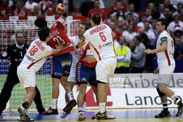 Danmark vs Serbien Dansk forsvar frv Hans Lindberg Kasper Nielsen Lars T Jørgensen Michael V Knudsen Danmark Nenad Vuckovic Serbien / Serbia © Lars...