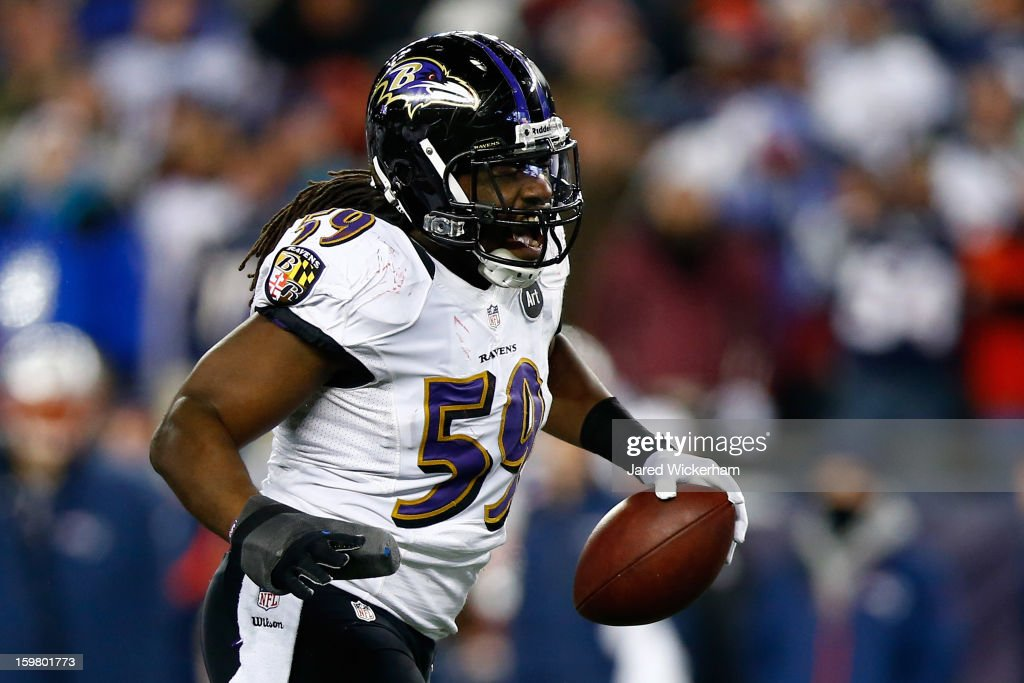 <a gi-track='captionPersonalityLinkClicked' href=/galleries/search?phrase=Dannell+Ellerbe&family=editorial&specificpeople=4090365 ng-click='$event.stopPropagation()'>Dannell Ellerbe</a> #59 of the Baltimore Ravens celebrates after intercepting a pass by <a gi-track='captionPersonalityLinkClicked' href=/galleries/search?phrase=Tom+Brady+-+Quarterback+de+futebol+americano&family=editorial&specificpeople=201737 ng-click='$event.stopPropagation()'>Tom Brady</a> #12 of the New England Patriots in the fourth quarter during the 2013 AFC Championship game at Gillette Stadium on January 20, 2013 in Foxboro, Massachusetts.