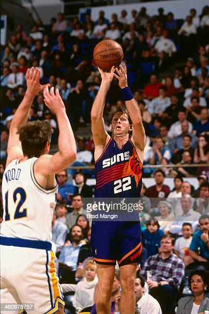Danny Ainge of the Phoenix Suns shoots the ball during a game played circa 1995 at the Oakland Coliseum in Oakland California NOTE TO USER User...