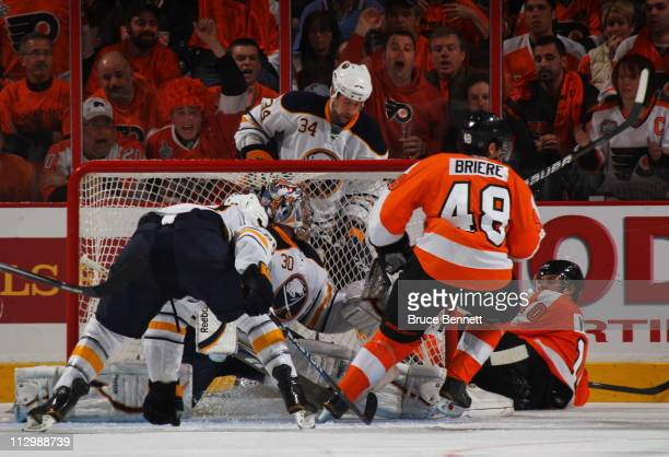 Danny Briere of the Philadelphia Flyers scores a third period goal against the Buffalo Sabres in Game Five of the Eastern Conference Quarterfinals...