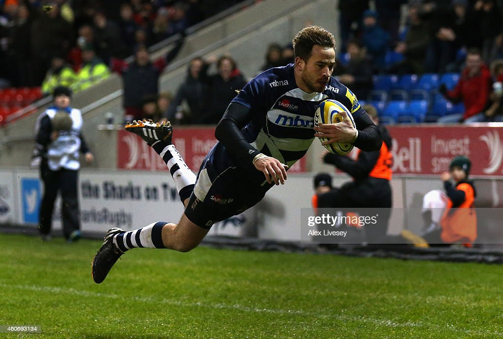 <a gi-track='captionPersonalityLinkClicked' href=/galleries/search?phrase=Danny+Cipriani&family=editorial&specificpeople=688774 ng-click='$event.stopPropagation()'>Danny Cipriani</a> of Sale Sharks scores a try during the Aviva Premiership match between Sale Sharks and Exeter Chiefs at AJ Bell Stadium on December 19, 2014 in Salford, England.