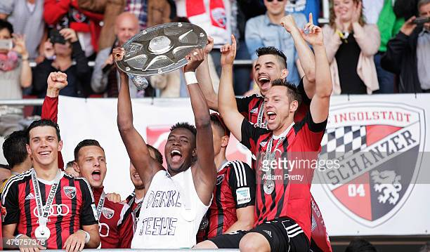Danny Da Costa of FC Ingolstadt and team mates celebrate the winning the shield after the 2 Bundesliga match between FC Ingolstadt and RB Leipzig at...