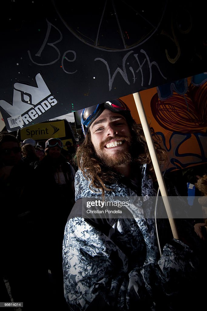 Danny Davis competes at the US Snowboarding Grand Prix on January 6 2010 in Mammoth Lakes California This is the second stop for the US Olympic...