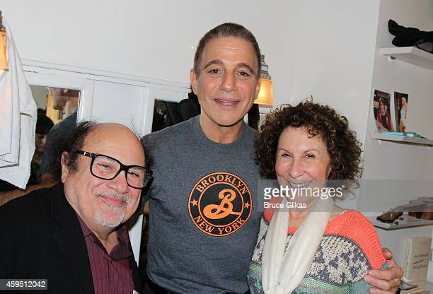 Danny DeVito Tony Danza and Rhea Perlman pose backstage at 'Honeymoon In Vegas' on Broadway at The Nederlander Theater on November 23 2014 in New...