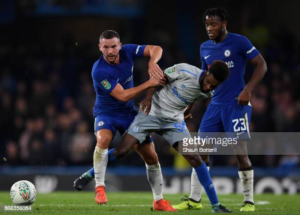 Danny Drinkwater of Chelsea Beni Baningime of Everton and Michy Batshuayi of Chelsea in action during the Carabao Cup Fourth Round match between...