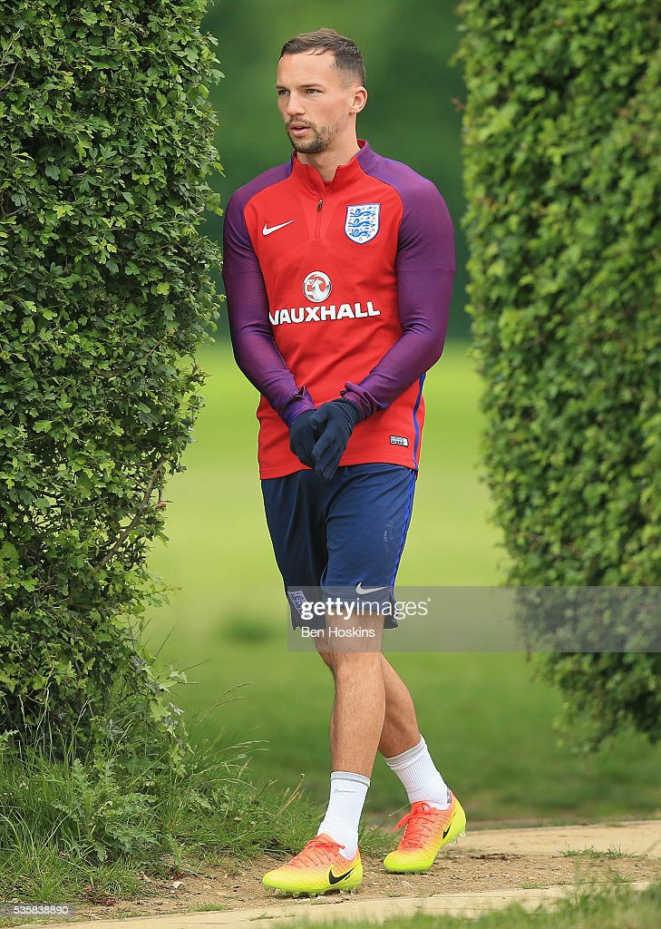 <a gi-track='captionPersonalityLinkClicked' href=/galleries/search?phrase=Danny+Drinkwater&family=editorial&specificpeople=4224396 ng-click='$event.stopPropagation()'>Danny Drinkwater</a> of England walks on during an England training session at St Georges Park on May 30, 2016 in Burton on Trent, England.