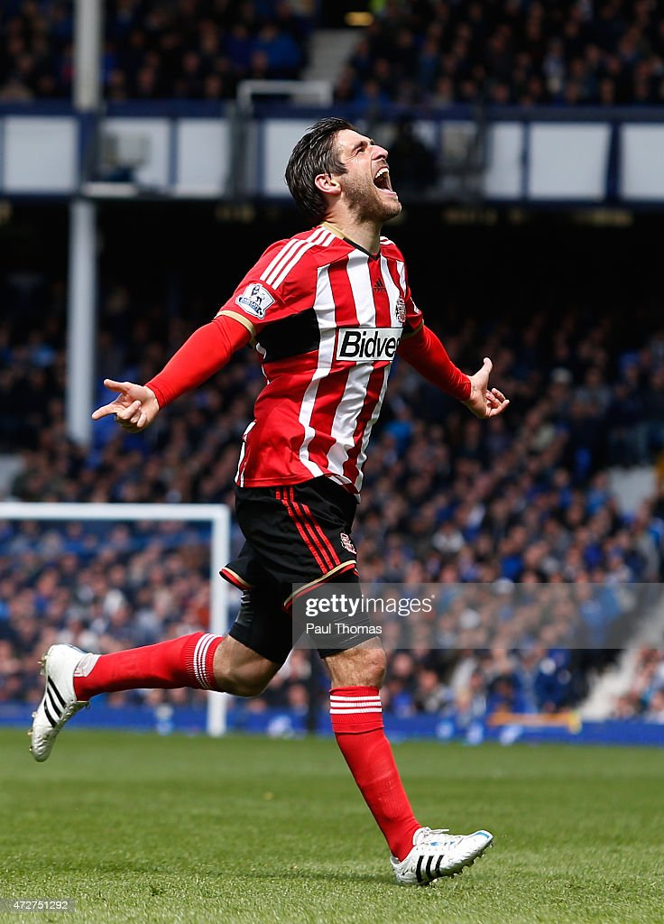 <a gi-track='captionPersonalityLinkClicked' href=/galleries/search?phrase=Danny+Graham+-+Soccer+Player&family=editorial&specificpeople=11679831 ng-click='$event.stopPropagation()'>Danny Graham</a> of Sunderland celebrates scoring the opening goal during the Barclays Premier League match between Everton and Sunderland at Goodison Park on May 9, 2015 in Liverpool, England.