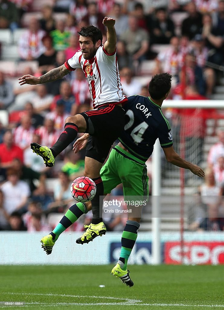 <a gi-track='captionPersonalityLinkClicked' href=/galleries/search?phrase=Danny+Graham+-+Voetballer&family=editorial&specificpeople=11679831 ng-click='$event.stopPropagation()'>Danny Graham</a> of Sunderland in action with <a gi-track='captionPersonalityLinkClicked' href=/galleries/search?phrase=Jack+Cork&family=editorial&specificpeople=4206991 ng-click='$event.stopPropagation()'>Jack Cork</a> of Swansea City during the Barclays Premier League match between Sunderland and Swansea City at Stadium of Light on August 22, 2015 in Sunderland, England.