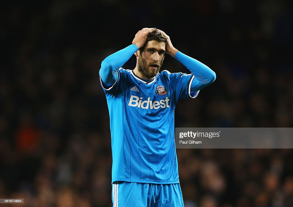 <a gi-track='captionPersonalityLinkClicked' href=/galleries/search?phrase=Danny+Graham+-+Voetballer&family=editorial&specificpeople=11679831 ng-click='$event.stopPropagation()'>Danny Graham</a> of Sunderland looks dejected after the Barclays Premier League match between Tottenham Hotspur and Sunderland at White Hart Lane on January 17, 2015 in London, England.