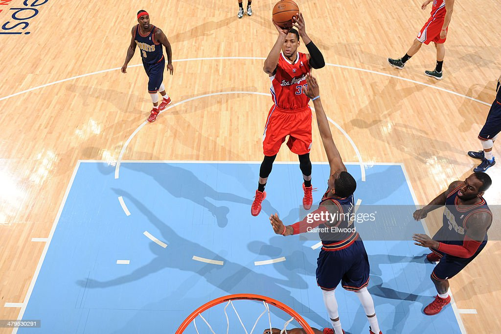 <a gi-track='captionPersonalityLinkClicked' href=/galleries/search?phrase=Danny+Granger&family=editorial&specificpeople=553769 ng-click='$event.stopPropagation()'>Danny Granger</a> #33 of the Los Angeles Clippers shoots the ball against the Denver Nuggets on March 17, 2014 at the Pepsi Center in Denver, Colorado.