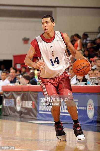 Danny Green of the Cleveland Cavaliers goes to the basket against the Los Angeles Lakers during NBA Summer League presented by EA Sports on July 11...