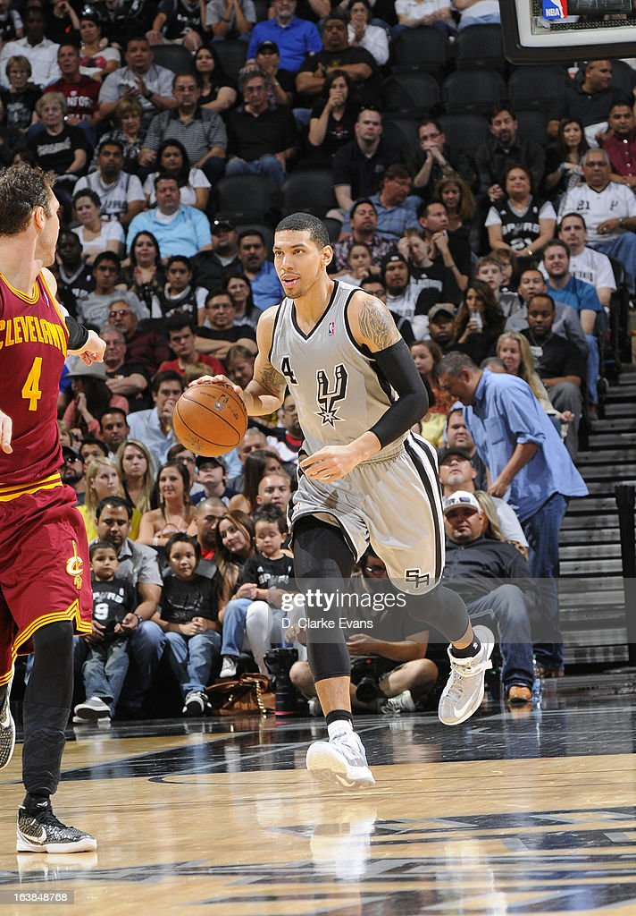 Danny Green #4 of the San Antonio Spurs brings the ball up court during the game between the Cleveland Cavaliers and the San Antonio Spurs on March 16, 2013 at the AT&T Center in San Antonio, Texas.