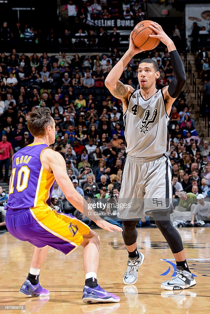 Danny Green #4 of the San Antonio Spurs looks to pass the ball against Steve Nash #10 of the Los Angeles Lakers in Game Two of the Western Conference Quarterfinals during the 2013 NBA Playoffs on April 24, 2013 at the AT&T Center in San Antonio, Texas.