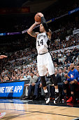 Danny Green of the San Antonio Spurs shoots against the Los Angeles Clippers during Game Three of the Western Conference Quarterfinals during the NBA...