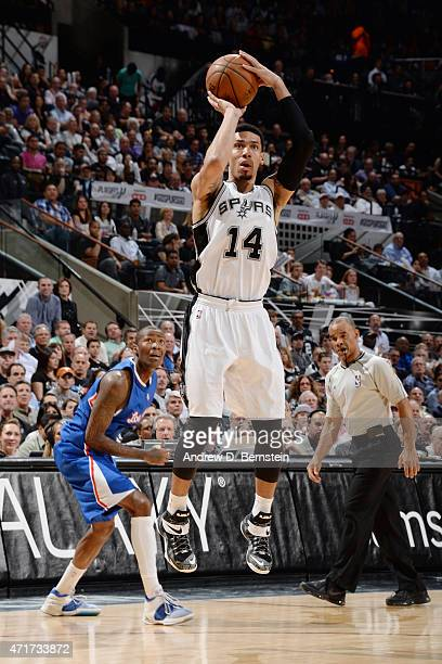 Danny Green of the San Antonio Spurs shoots against the Los Angeles Clippers during Game Six of the Western Conference Quarterfinals during the NBA...