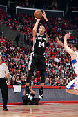 Danny Green of the San Antonio Spurs shoots against the Los Angeles Clippers in Game Seven of the Western Conference Quarterfinals during the 2015...