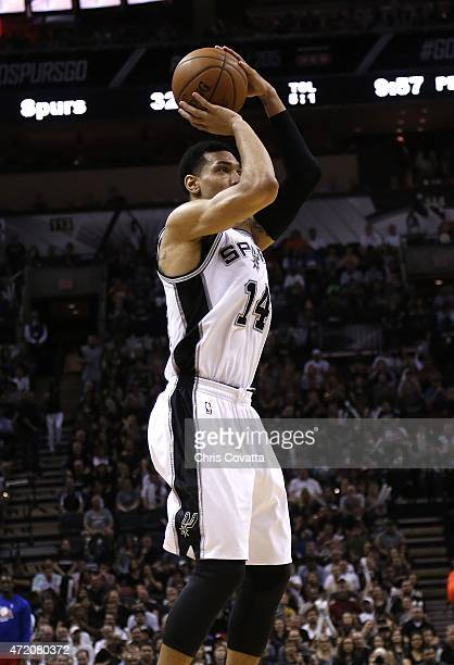 Danny Green of the San Antonio Spurs shoots the ball against the Los Angeles Clippers during Game Six of the Western Conference quarterfinals of the...