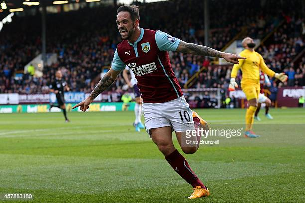 Danny Ings of Burnley celebrates scoring his team's first goal during the Premier League match between Burnley and Everton at Turf Moor on October 26...