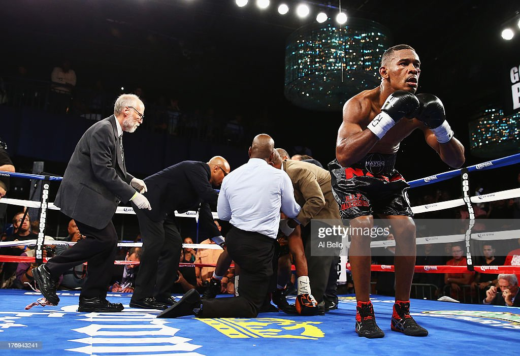 <a gi-track='captionPersonalityLinkClicked' href=/galleries/search?phrase=Danny+Jacobs+-+Pugile&family=editorial&specificpeople=15133530 ng-click='$event.stopPropagation()'>Danny Jacobs</a> celebrates his knock out of Giovanni Lorenzo in the third round of their Junior Middleweight fight at Best Buy Theater on August 19, 2013 in New York City.