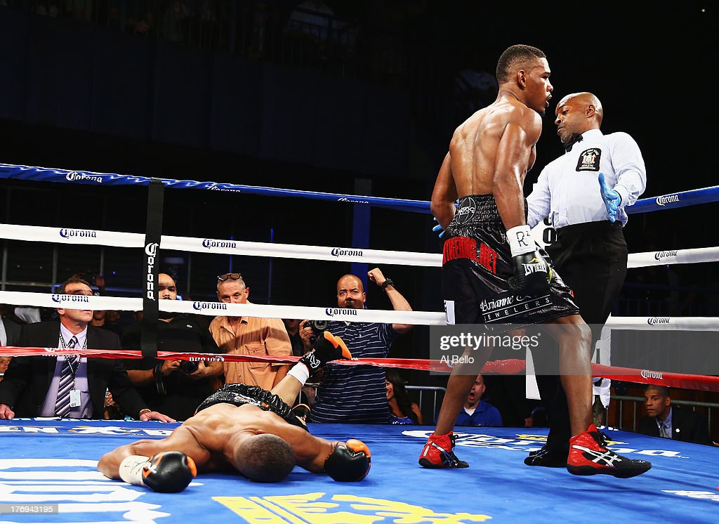 <a gi-track='captionPersonalityLinkClicked' href=/galleries/search?phrase=Danny+Jacobs+-+Boxare&family=editorial&specificpeople=15133530 ng-click='$event.stopPropagation()'>Danny Jacobs</a> knocks out Giovanni Lorenzo in the third round of their Junior Middleweight fight at Best Buy Theater on August 19, 2013 in New York City.