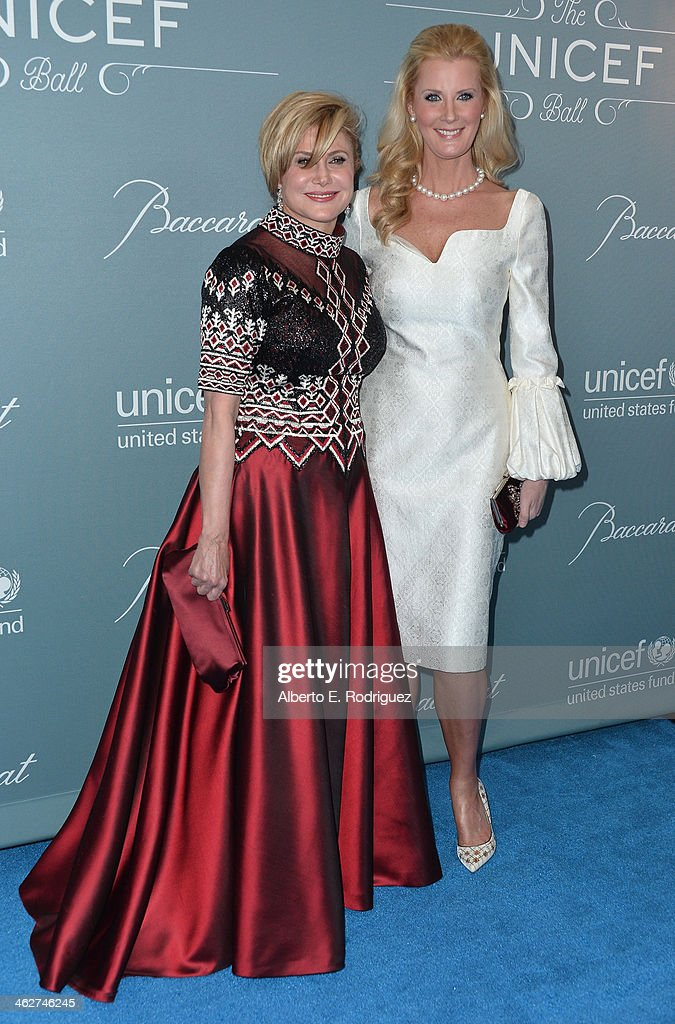 Danny Kaye Humanitarian Leadership Award recipient Ghada Irani and author Sandra Lee arrive to the 2014 UNICEF Ball Presented by Baccarat at the Regent Beverly Wilshire Hotel on January 14, 2014 in Beverly Hills, California.