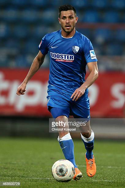 Danny Latza pof Bochum runs with the ball during the friendly match between VfL Bochum and Borussia Moenchengladbach at Rewirpower Stadium on January...