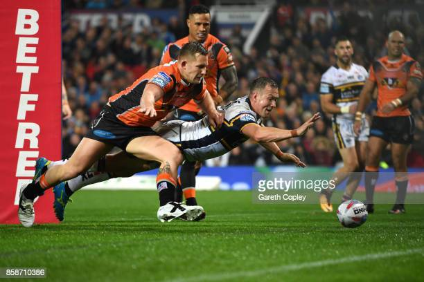 Danny McGuire of Leeds Rhinos scores a try during the Betfred Super League Grand Final match between Castleford Tigers and Leeds Rhinos at Old...