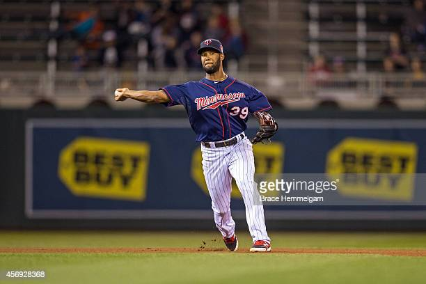 Danny Santana of the Minnesota Twins throws against the Minnesota Twins on September 22 2014 at Target Field in Minneapolis Minnesota The...