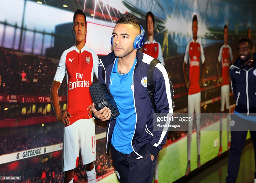 <a gi-track='captionPersonalityLinkClicked' href=/galleries/search?phrase=Danny+Simpson&family=editorial&specificpeople=803074 ng-click='$event.stopPropagation()'>Danny Simpson</a> of Leicester City arrives at Emirates Stadium ahead of the Barclays Premier League match between Arsenal and Leicester City at Emirates Stadium on February 14, 2016 in London, United Kingdom.