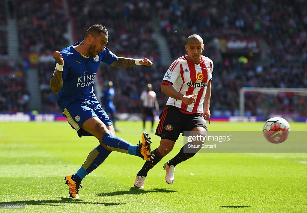 <a gi-track='captionPersonalityLinkClicked' href=/galleries/search?phrase=Danny+Simpson&family=editorial&specificpeople=803074 ng-click='$event.stopPropagation()'>Danny Simpson</a> of Leicester City crosses the ball ahead of <a gi-track='captionPersonalityLinkClicked' href=/galleries/search?phrase=Wahbi+Khazri&family=editorial&specificpeople=7211185 ng-click='$event.stopPropagation()'>Wahbi Khazri</a> of Sunderland during the Barclays Premier League match between Sunderland and Leicester City at the Stadium of Light on April 10, 2016 in Sunderland, England.