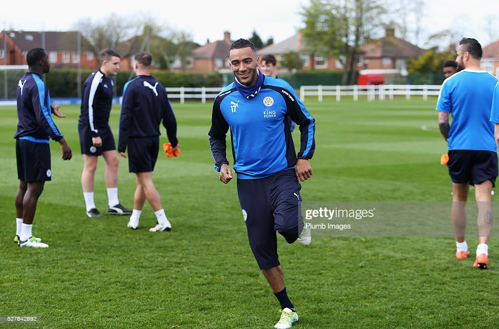 <a gi-track='captionPersonalityLinkClicked' href=/galleries/search?phrase=Danny+Simpson&family=editorial&specificpeople=803074 ng-click='$event.stopPropagation()'>Danny Simpson</a> of Leicester City warms up during a Leicester City training session at Belvoir Drive Training Ground on May 3, 2016 in Leicester, England.