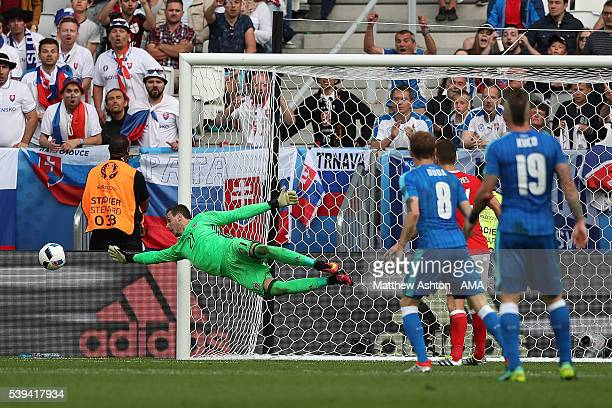 Danny Ward of Wales dives to make a save during the UEFA EURO 2016 Group B match between Wales and Slovakia at Stade Matmut Atlantique on June 11...