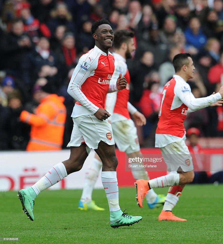 <a gi-track='captionPersonalityLinkClicked' href=/galleries/search?phrase=Danny+Welbeck&family=editorial&specificpeople=4223930 ng-click='$event.stopPropagation()'>Danny Welbeck</a> celebrates scoring the 2nd Arsenal goal during the Barclays Premier League match between Arsenal and Leicester City at Emirates Stadium on February 14, 2016 in London, England.