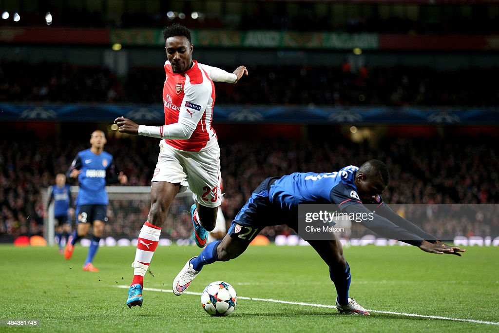 <a gi-track='captionPersonalityLinkClicked' href=/galleries/search?phrase=Danny+Welbeck&family=editorial&specificpeople=4223930 ng-click='$event.stopPropagation()'>Danny Welbeck</a> of Arsenal and <a gi-track='captionPersonalityLinkClicked' href=/galleries/search?phrase=Elderson&family=editorial&specificpeople=7148791 ng-click='$event.stopPropagation()'>Elderson</a> Uwa Echiejile of Monaco compete for the ball during the UEFA Champions League round of 16, first leg match between Arsenal and Monaco at The Emirates Stadium on February 25, 2015 in London, United Kingdom.