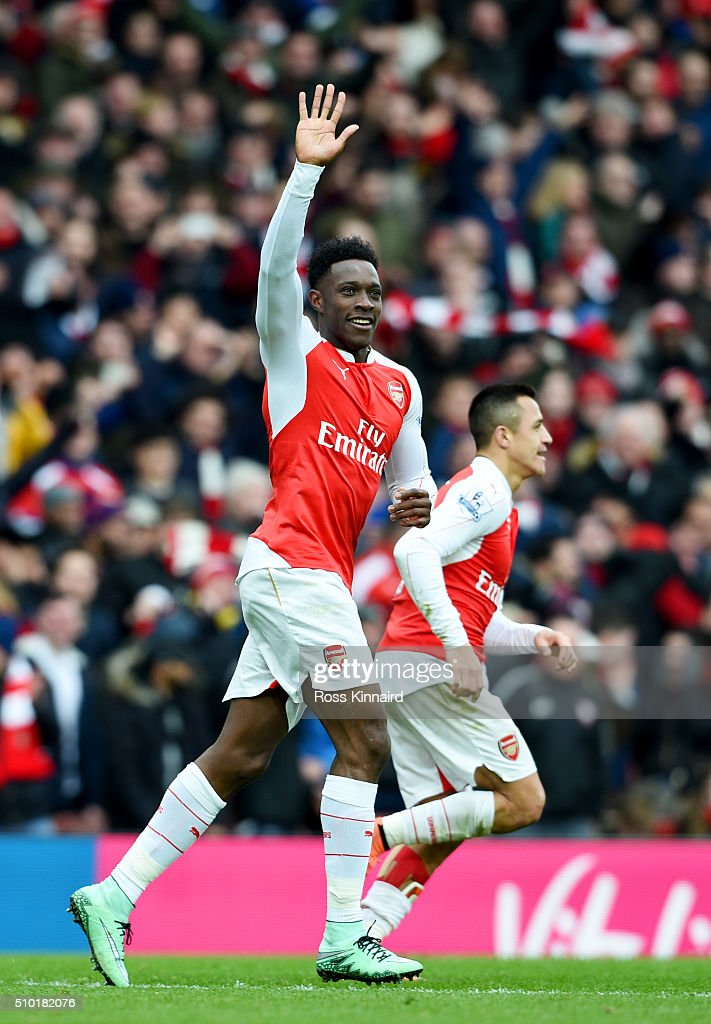 Danny Welbeck of Arsenal celebrates after scoring the winning goal during the Barclays Premier League match between Arsenal and Leicester City at...