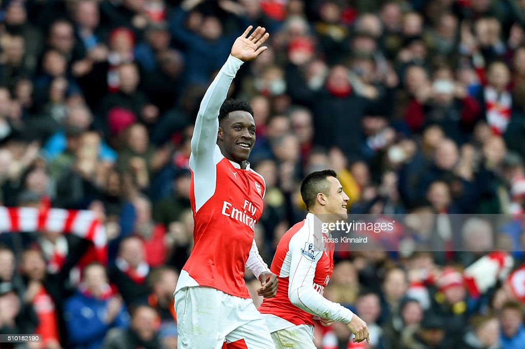 <a gi-track='captionPersonalityLinkClicked' href=/galleries/search?phrase=Danny+Welbeck&family=editorial&specificpeople=4223930 ng-click='$event.stopPropagation()'>Danny Welbeck</a> of Arsenal celebrates after scoring the winning goal during the Barclays Premier League match between Arsenal and Leicester City at Emirates Stadium on February 14, 2016 in London, England.