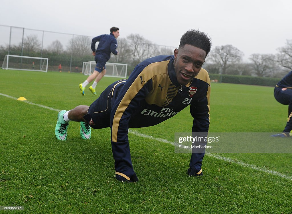 <a gi-track='captionPersonalityLinkClicked' href=/galleries/search?phrase=Danny+Welbeck&family=editorial&specificpeople=4223930 ng-click='$event.stopPropagation()'>Danny Welbeck</a> of Arsenal during a training session at London Colney on February 13, 2016 in St Albans, England.