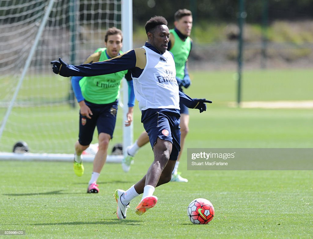 <a gi-track='captionPersonalityLinkClicked' href=/galleries/search?phrase=Danny+Welbeck&family=editorial&specificpeople=4223930 ng-click='$event.stopPropagation()'>Danny Welbeck</a> of Arsenal during a training session at London Colney on April 29, 2016 in St Albans, England.