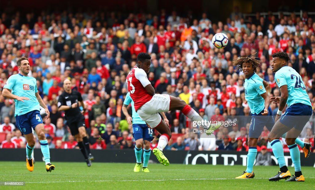 Danny Welbeck of Arsenal scores his sides first goal during the Premier League match between Arsenal and AFC Bournemouth at Emirates Stadium on September 9, 2017 in London, England.
