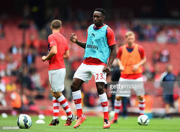 Danny Welbeck of Arsenal warms up during the Barclays Premier League match between Arsenal and Manchester City at Emirates Stadium on September 13...